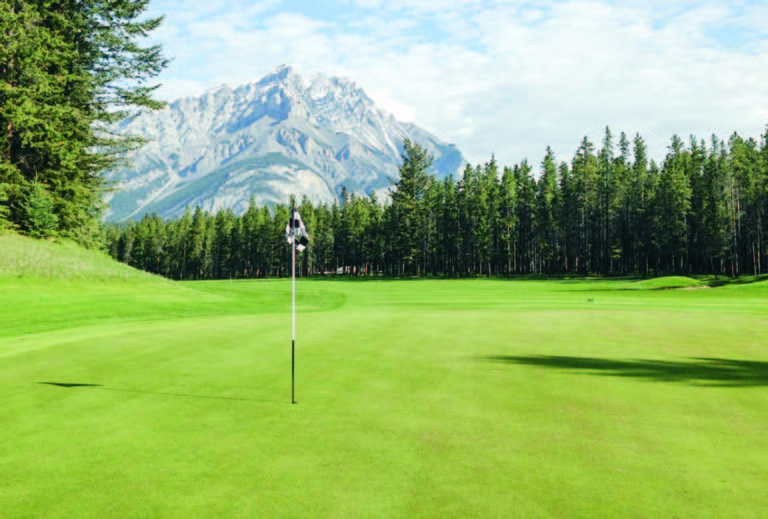 Banff-Springs-looking-back-from-the-3rd-green copia