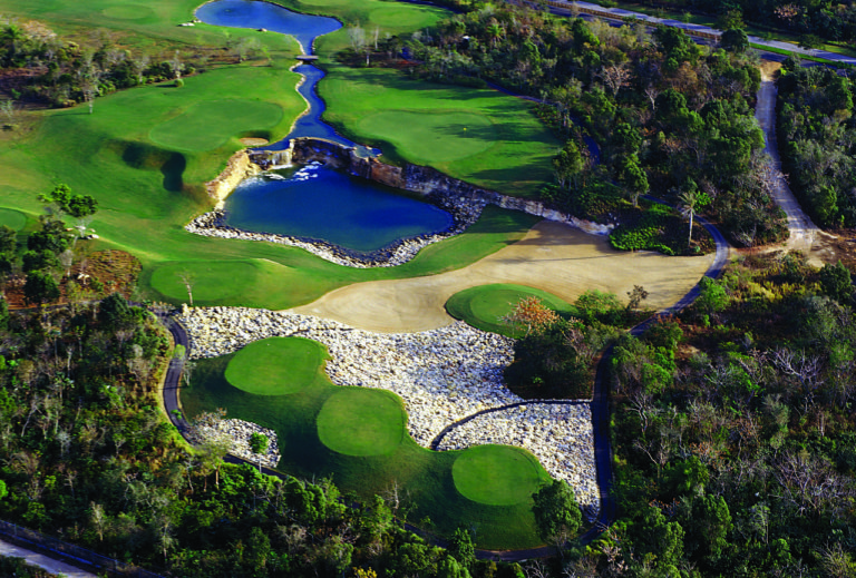 Guavaberry Golf & Country